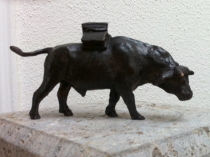 Jurypreis Hochstadter Stier 2015 Bronzeskulptur von Prof. Josef Henselmann