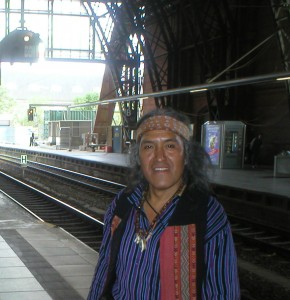 Humberto Ak'abal unterwegs. Foto: Delta-Archiv, Stuttgart