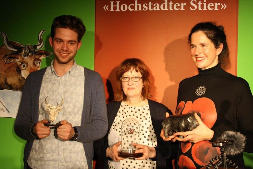 Die Hauptpreisträger des Lyrikstiers 2016 (v. l.): Leander Beil (Teilnehmerpreis), Babette Werth (Jurypreis) und Babette Dieterich (Publikumspreis). Foto: Jan-Eike Hornauer