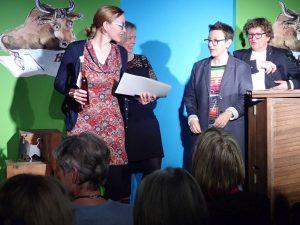 Katja John (Sonderpreis) und Melanie Arzenheimer. Foto: DAS GEDICHT