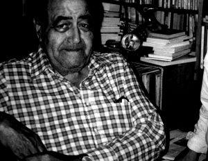 Gastón Baquero an seinem Schreibtisch (Foto: Enrique Hernández-D'Jesús)