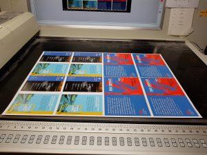 DAS GEDICHT 25: Umschlag auf dem Leuchttisch beim Andruck in Deiningen. Foto: DAS GEDICHT