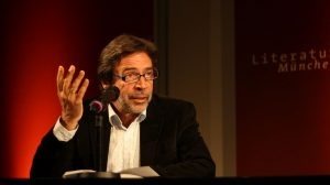 Ulrich Johannes Beil liest »Schöpfung«. Foto: Jan-Eike Hornauer