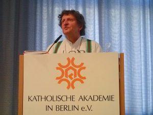 Anton G. Leitner bei der Begrüßung