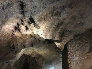 Innerhalb der phönizischen Grotte bei Tanger (Foto Tobias Burghardt)