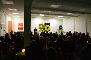 DAS GEDICHT 26-Premiere in Schleswig: Anton G. Leitner und Melanie Arzenheimer vor Publikum. Foto: Frank Wolfmeier